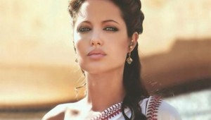 Alexandre d'Oliver Stone, Angelina Jolie