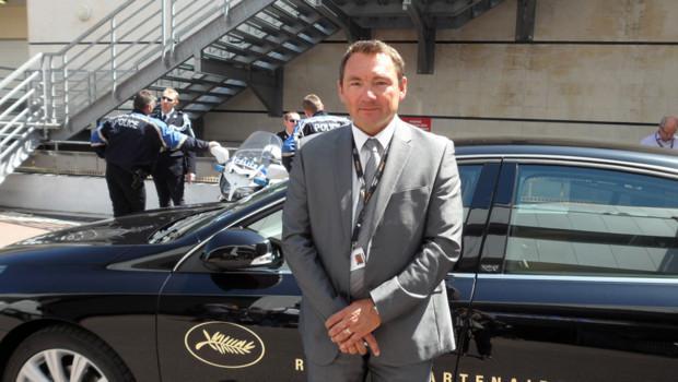 Thierry fait partie des 100 chauffeurs de la flotte officielle Renault au festival de Cannes.
