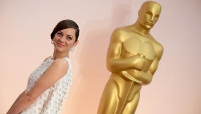 Marion Cotillard sur le tapis rouge des Oscars le 22 février 2015