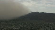 Un énorme nuage de poussière a balayé l'Arizona