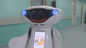 Casper, le robot malin qui redonne le sourire aux enfants malades (06/04)