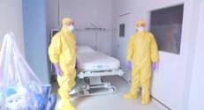 Le 20 heures du 19 septembre 2014 : Fran�se contamin�par Ebola : comment est-elle prise en charge ? - 2101.862352600098