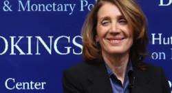 Ruth Porat, la directrice financière embauchée à prix d'or par Google