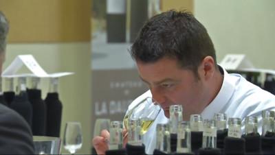 Le 20 heures du 21 septembre 2014 : Comment les bouteilles sont-elles s�ctionn� dans les foires aux vins ? - 1698.1614567260744