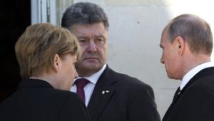 Vladimir Poutine et Petro Porochenko se sont rencontrés vendredi 6 juin 2014 à Benouville en Normandie en marge du déjeuner donné au château de Bénouville.