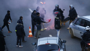 Heurts entre taxis et CRS le 26/01/16 à la Porte Maillot
