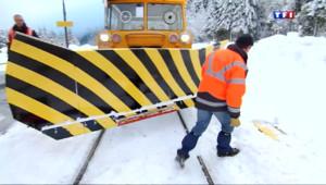 Le 20 heures du 3 février 2014 : En route avec les cheminots d�igeurs de la SNCF - 1035.2079996948244