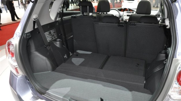 photos automoto gen ve 2009 toyota verso les photos. Black Bedroom Furniture Sets. Home Design Ideas