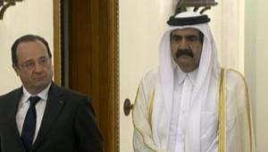 François et Hollande et le le prince Hamad ben Khalifa Al-Thani, lors de la visite du chef de l'Etat le 23 juin 2013