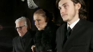 Céline Dion et son fils René-Charles à la sortie de la chapelle ardente où repose René Angélil le 21 janvier 2016.