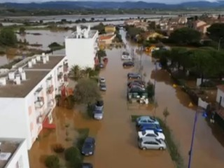 Var : les images aériennes de la ville de Hyères inondée