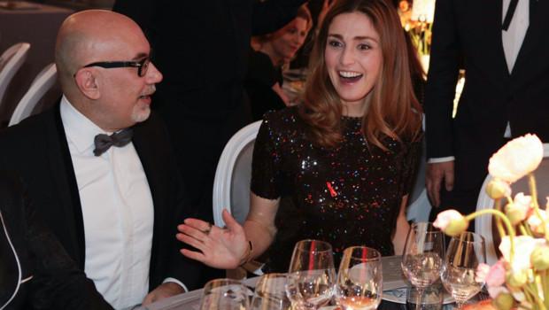 Julie Gayet au dîner de la mode contre le sida le 28 janvier 2016 à Paris