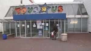 Le magasin de jouets Toy's r us a été cambriolé samedi 7 décembre à Thiais dans le Val de Marne.