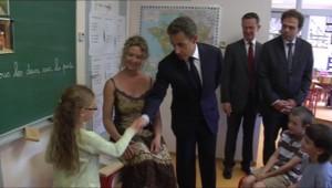 Nicolas Sarkozy le 21 juin 2011, dans une école primaire en Lozère.
