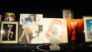 """Illustrations et sculptures de pin-up lors des enchères """"Glam'Art"""" au Crazy Horse (23/01/2011)"""