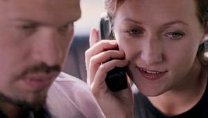 couple travail téléphone prétexte