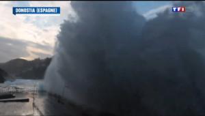 Le 13 heures du 7 février 2014 : Espagne : les images impressionnantes d'une vague g�te - 599.1865753021241