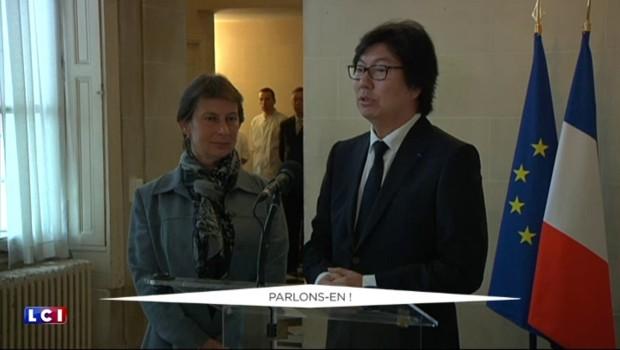 Le sénateur Jean-Vincent Placé entre au gouvernement après la passation de pouvoirs