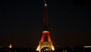 Fusillade de Munich : la Tour Eiffel revêt les couleurs de l'Allemagne