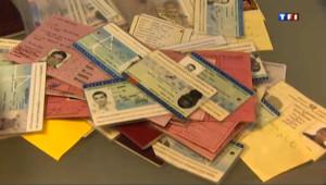 Passeports, carte d'identité ou permis de conduire... Entre 4 et 6 % des documents d'identité présentés pour effectuer des démarches administratives seraient des faux en France.