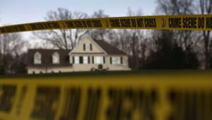 La maison d'Adam Lanza, auteur de la tuerie de Newtown en décembre 2012, va être détruite au printemps 2015. Images d'archives.
