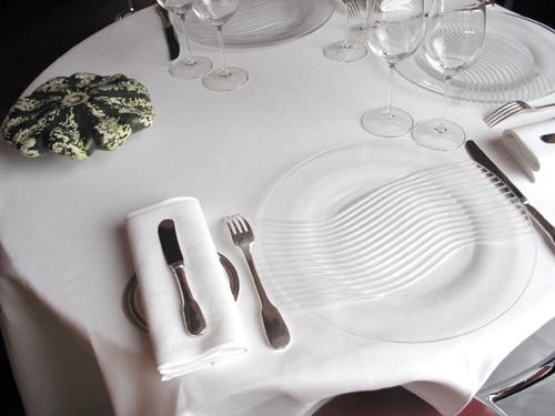 D coration tendance d co d 39 un 3 toiles avec l 39 arp ge for Vaisselle de restaurant