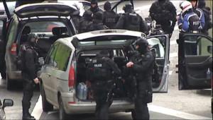 Le 20 heures du 10 janvier 2015 : Attentats et prises d'otages: l'intervention rapide du GIGN et du RAID - 1744.826