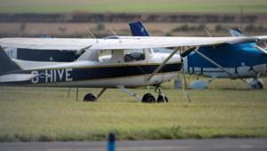 Un avion léger, en Angleterre
