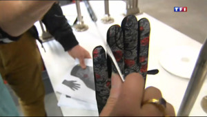 Le 13 heures du 10 janvier 2014 : Savoir-faire made in France : Grenoble et ses gants - 1403.857810241699