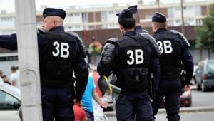 Patrouille de police à Amiens après des violences (16 août 2012)