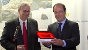 François Hollande en visite chez Valéo le 27 juillet 2012