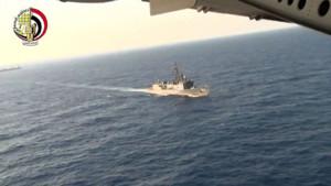 Image issue d'une vidéo du ministère de la Défense égyptien, montrant les recherches menées en Méditerranée pour retrouver les débris de l'avion de la compagnie EgyptAir