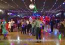 Le bal populaire, toujours un haut lieu de rendez-vous pour un Français sur six