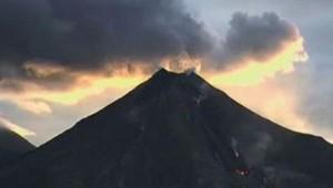 Eruption volcan colima au mexique juillet 2015 impressionnant lave cendre explosion