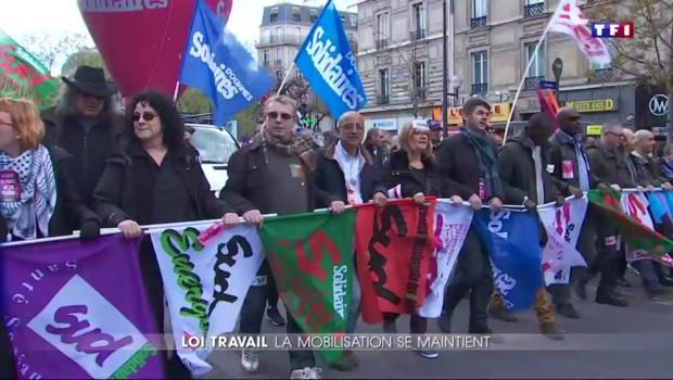 Loi Travail : des milliers de personnes descendues dans les rues pour manifester