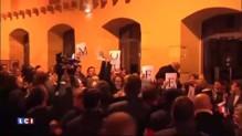 Meeting de Valls : les notaires brandissent des affichettes contre la loi Macron