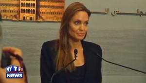 Angelina Jolie auprès des enfants syriens réfugiés au Liban, le 24 février 2014