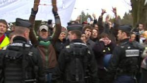 Manifestation à Saint-Lô en marge de la visite de Nicolas Sarkozy (12 janvier 2009)