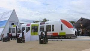 TF1/LCI : Présentation des nouveaux trains destinés à équiper le réseau Transilien, qui seront fabriqués par la firme canadienne Bombardier