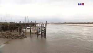 Touchée en 2010 par la tempête Xynthia, La-Faute-sur-Mer se prépare à faire face au vent