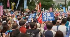 Japon : des dizaines de milliers de manifestants contre les lois de défense