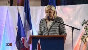 En campagne à Avignon avec sa nièce, Marine Le Pen tacle Valls