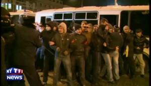 Ukraine : heurts entre manifestants rivaux à Donetsk, un mort