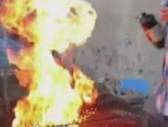 Barbecue en feu.