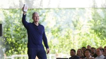 Tim Cook iPhone milliard