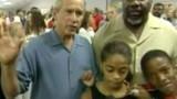 Un an après Katrina, Bush toujours dans l'oeil du cyclone