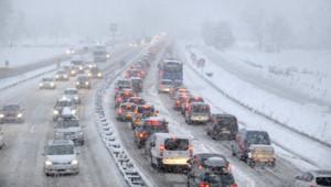 Des chutes de neige ont entraîné d'énormes bouchons en Savoir le 27 décembre dernier.