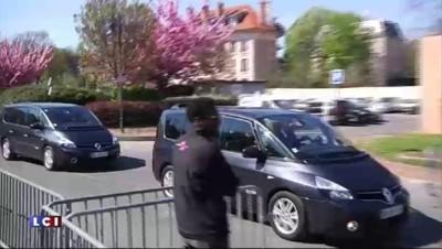 Interview de François Hollande : le chef de l'Etat arrive chez Canal +