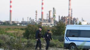 Les forces de l'ordre près de la raffinerie de Fos-sur-Mer, le 24 mai 2016