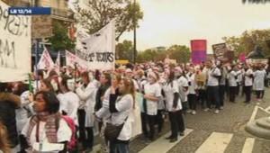 Manifestation des sages-femmes à Paris